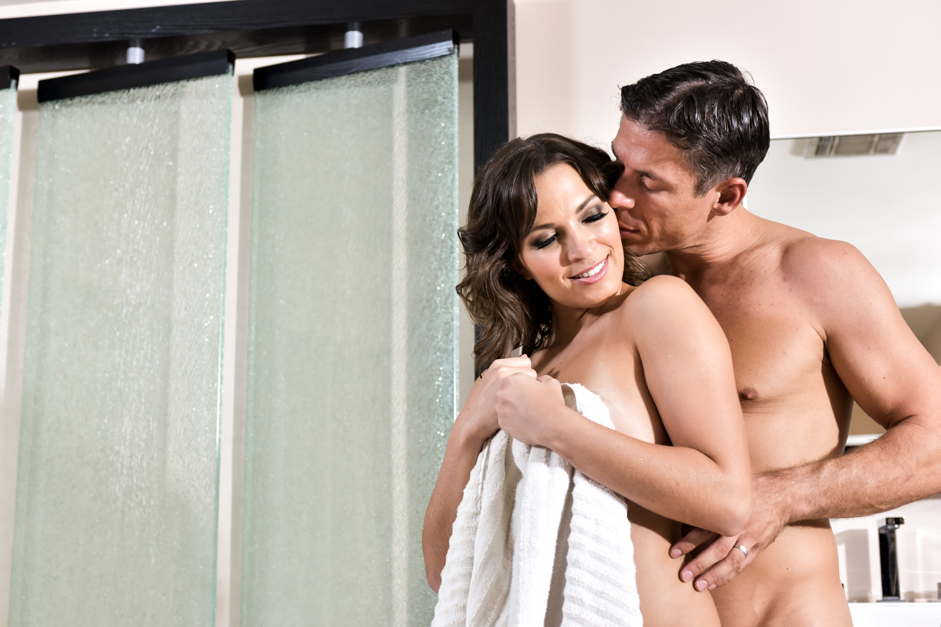 EroticaX – Just What She Needed – Lily Love